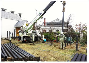 鋼管杭回転圧入工法施工状況